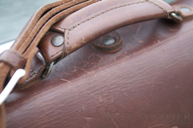 Saddleback Leather Thin Briefcase 6 month checkup3